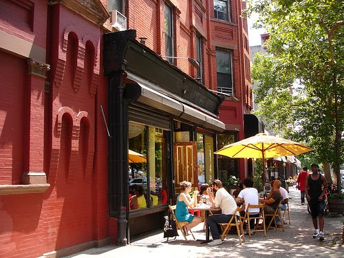 Americans Ditch Food Places to Dine-in