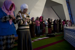 Women pray at the Lala Tulpan mosque.