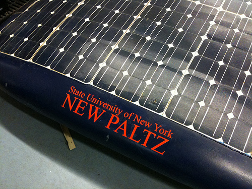 SUNY students building solar car