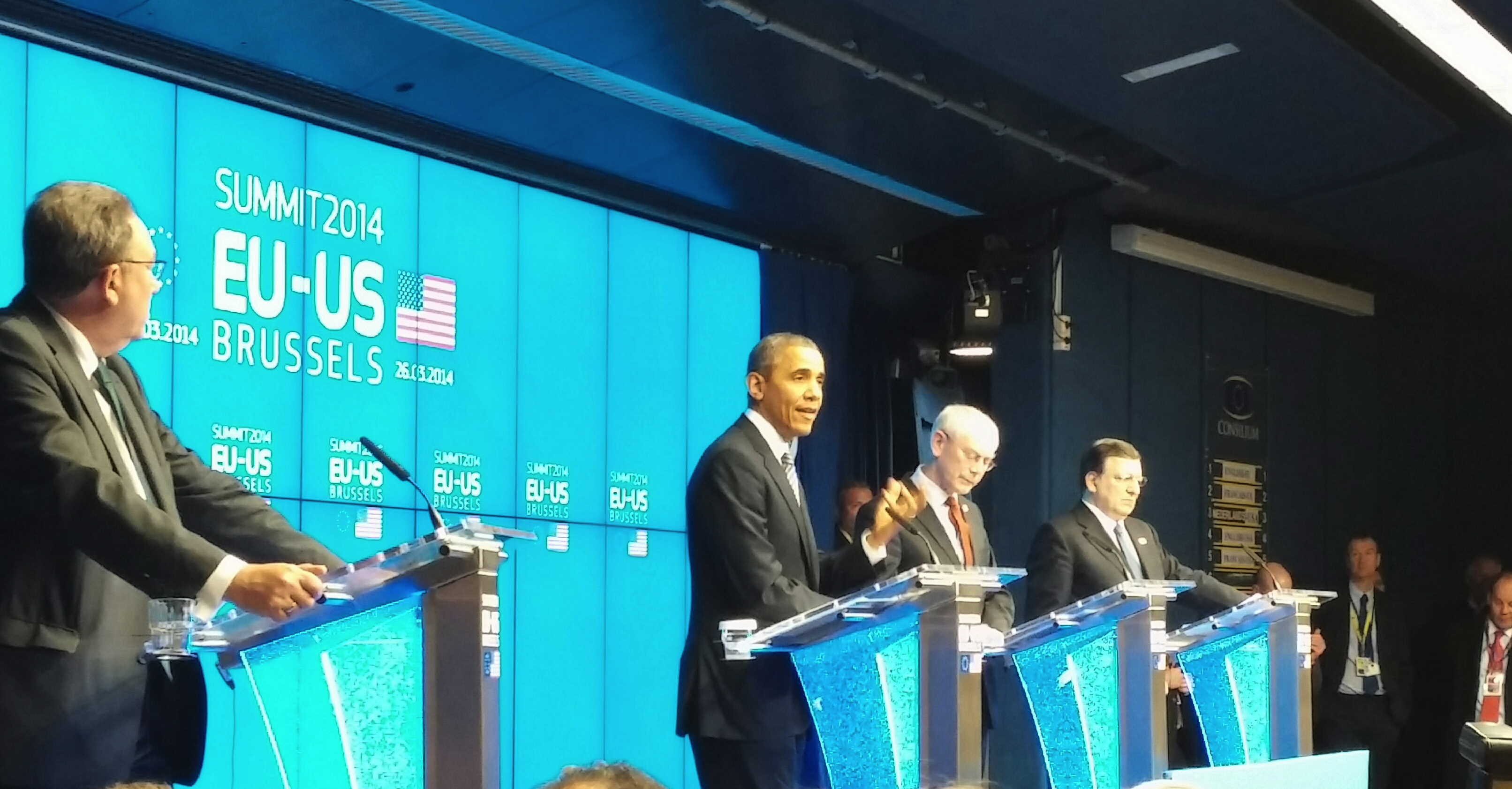 Obama Discusses Ukraine at EU-US Summit in Brussels