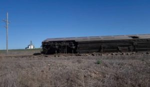 Breaking news: Passenger train derails in western Kansas