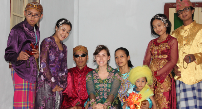 Nicole Ethier, center with her host family in Indonesia. Credit: Nicole Ethier
