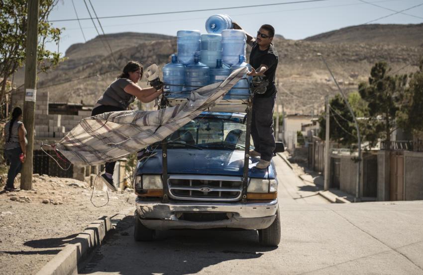 Two Nations, One Aquifer: The biggest pump wins