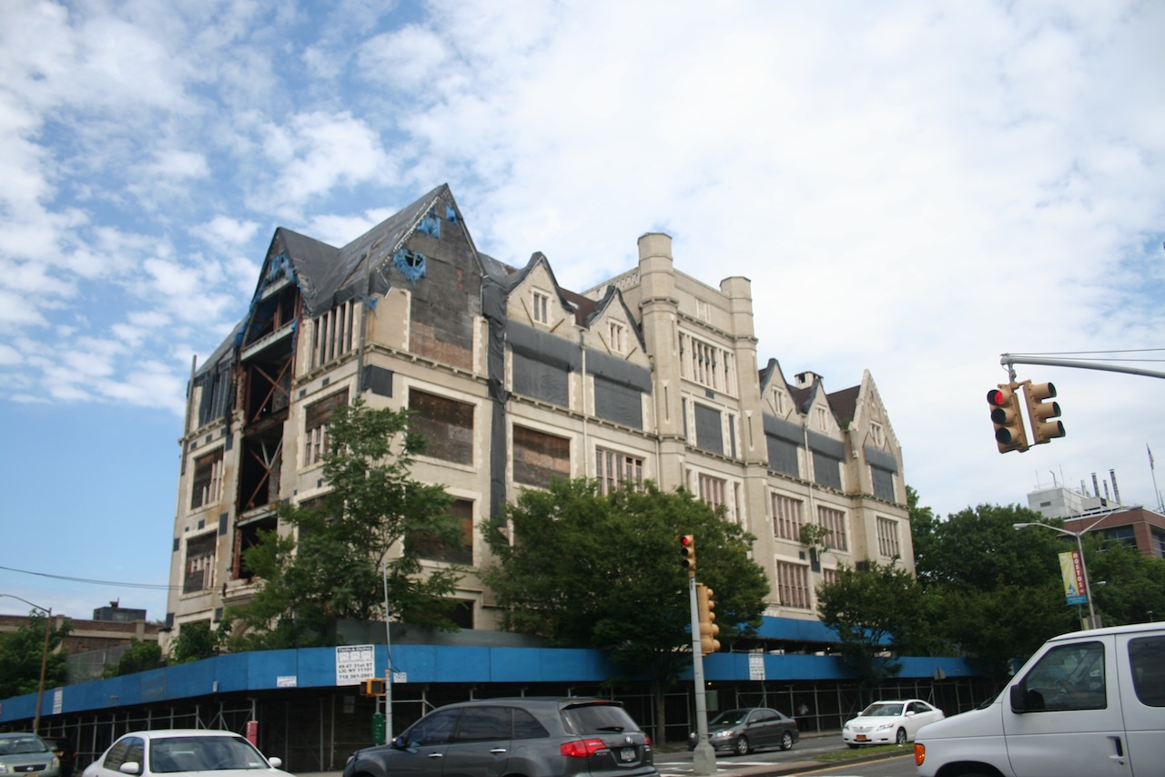 The facade of PS 31at the corner of Grand Concourse and 144th St.
