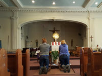 Parishioners at Our Lady of Victory church in Claremont, in the Bronx, where many Hondurans pray. Photo: Paula Moura