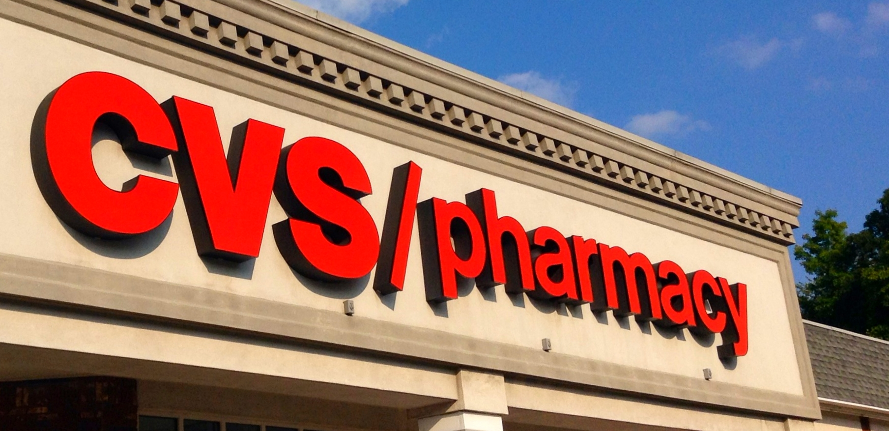 Pharmacy Sales and Generic Drugs Expected to Boost CVS Earnings