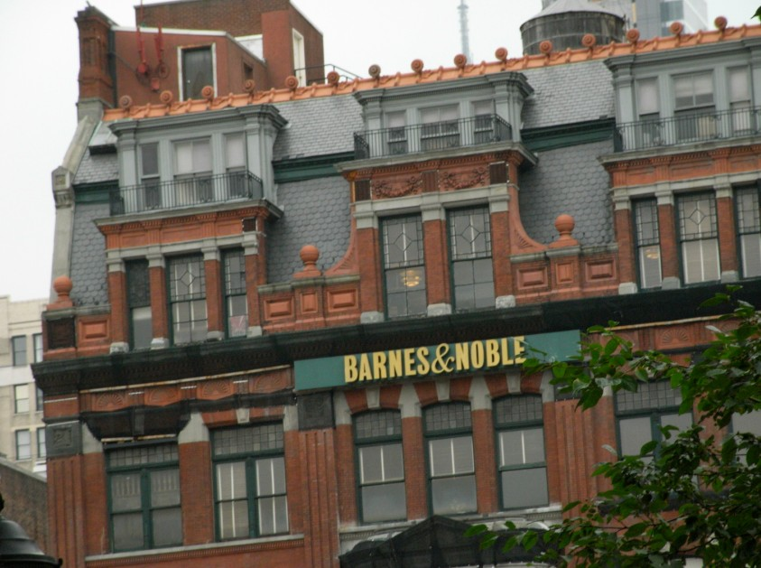 Barnes And Noble Says To Amazon's New Stores: Back Off