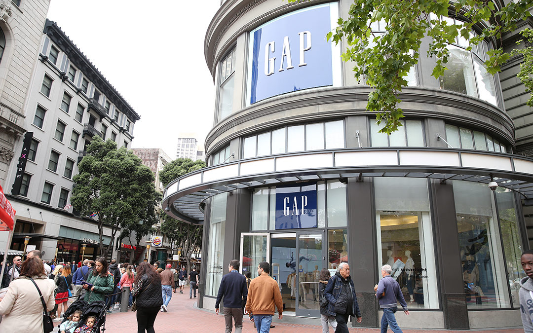 Mired in a Funk, Gap Needs a New Fit in Its Search For a CEO
